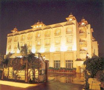 Holiday Inn Jaipur - Холидей Ин Джайпур, Джайпур