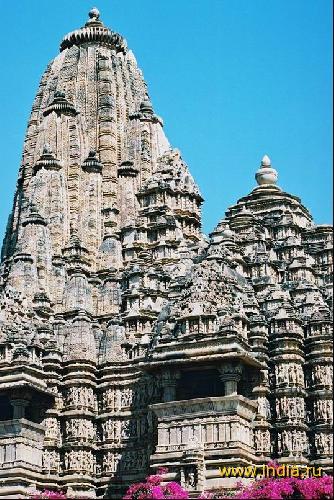 Храм Кандарья Махадева. Храмовый комплекс Кхаджурахо / Индия - YouTube | 500x334